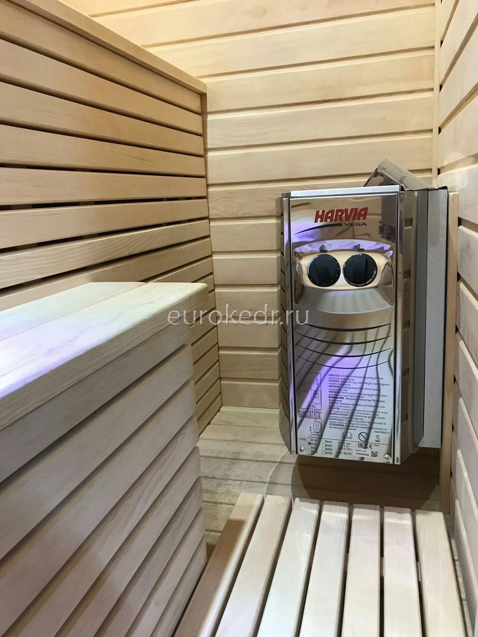 Трехместная финская сауна с электрической печью